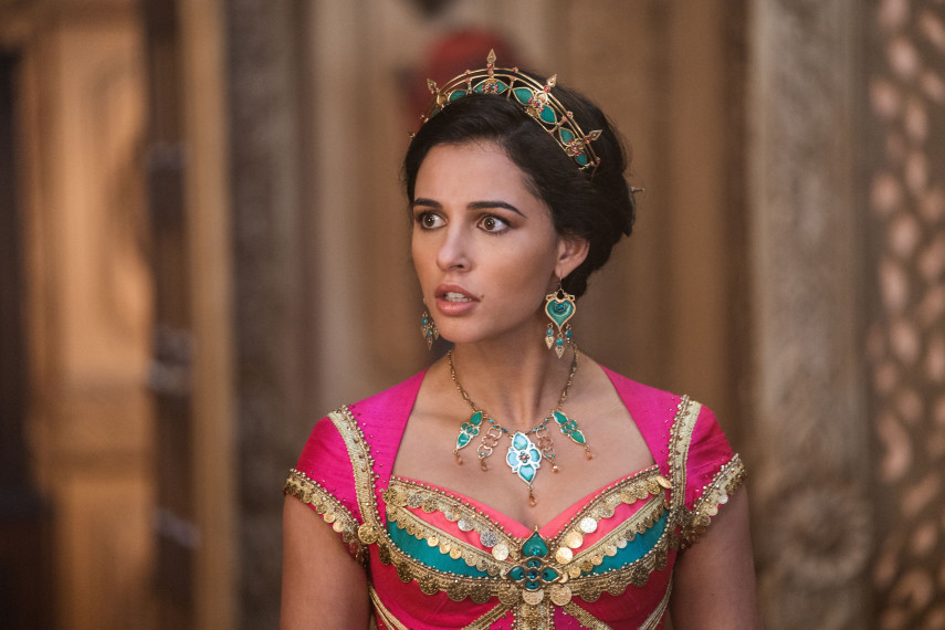 /db_data/movies/aladdin/scen/l/410_15_-_Jasmine_Naomi_Scott_ov_org.jpg