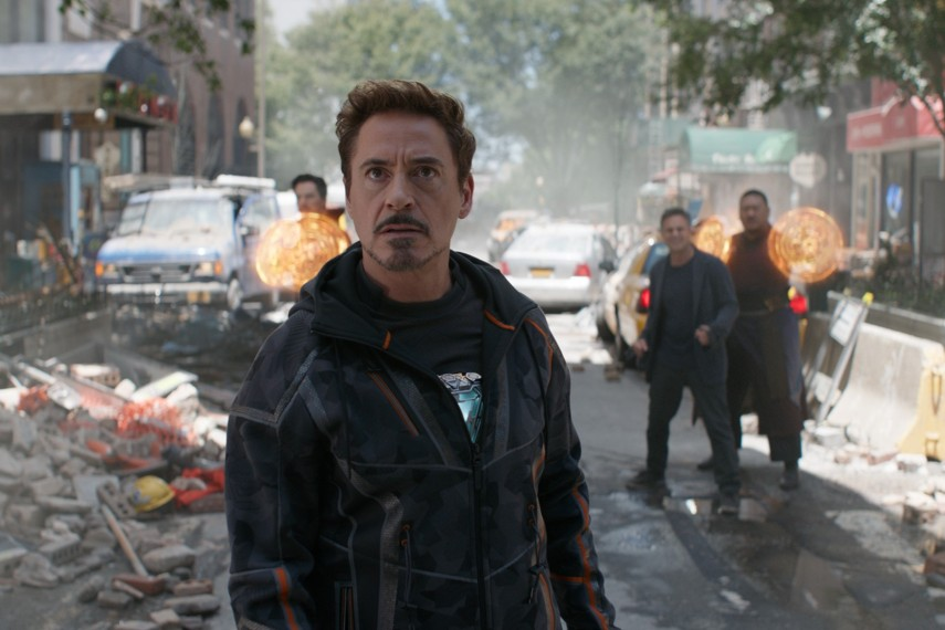 /db_data/movies/avengers20123/scen/l/410_10_-_Tony_Robert_Downey_Jr..jpg