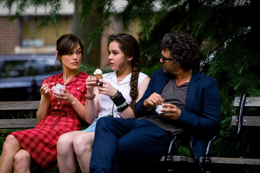 /db_data/movies/beginagain/scen/l/410_02__Greta_Knightley_Violet.jpg