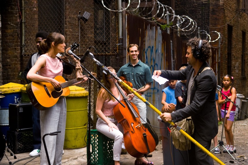 /db_data/movies/beginagain/scen/l/410_13__Greta_Knightley_Dan_Ru.jpg