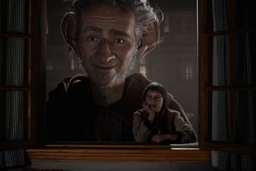 /db_data/movies/bfg/scen/l/410_07_-_The_BFG_Mark_Rylance_.jpg