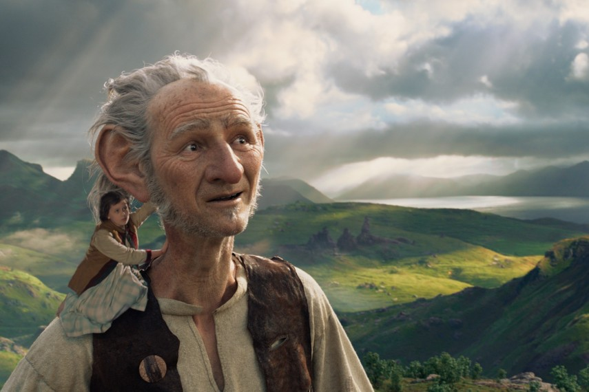 /db_data/movies/bfg/scen/l/410_08_-_Sophie_Ruby_Barnhill_.jpg