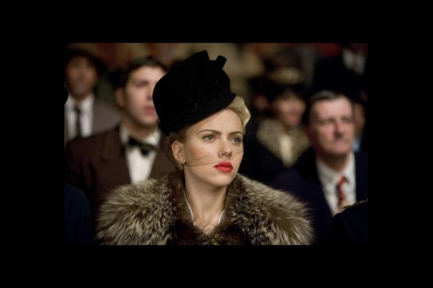 /db_data/movies/blackdahlia/scen/l/TheBlackDahlia18.jpg