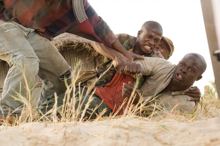 /db_data/movies/blooddiamond/scen/l/BDD-06114r.jpg