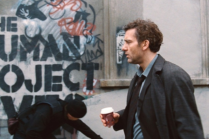 /db_data/movies/childrenofmen/scen/l/24_2338_FP_STILLS_0063.jpg