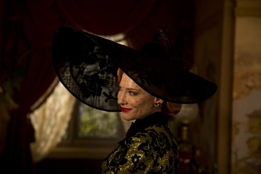 /db_data/movies/cinderella/scen/l/410_05__Lady_Tremaine_Cate_Blanchett.jpg