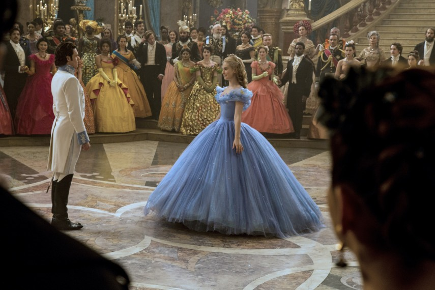 /db_data/movies/cinderella/scen/l/410_15__Cinderella_Lily_James_.jpg