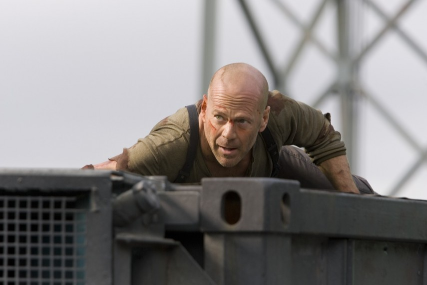 /db_data/movies/diehard4/scen/l/Szenenbild_12jpeg_1400x933.jpg
