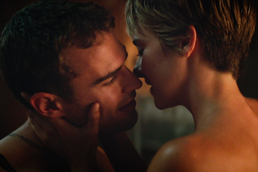 /db_data/movies/divergent2/scen/l/410_01__Four_Theo_James_Tris_S.jpg