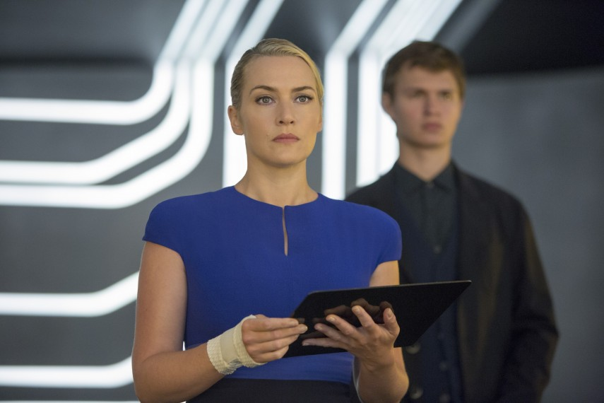 /db_data/movies/divergent2/scen/l/410_05__Jeanine_Kate_Winslet_C.jpg