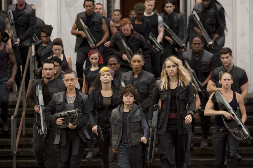 /db_data/movies/divergent2/scen/l/410_08__Scene_Picture.jpg