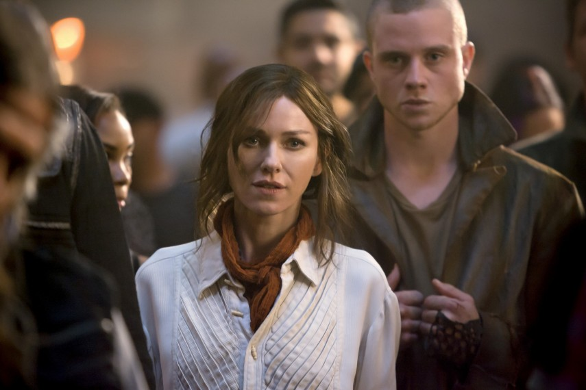 /db_data/movies/divergent2/scen/l/410_09__Evelyn_Naomi_Watts.jpg