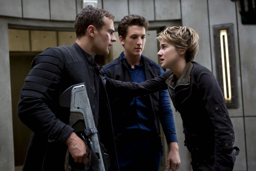 /db_data/movies/divergent2/scen/l/410_10__Four_James_Peter_Telle.jpg