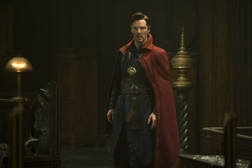 /db_data/movies/doctorstrange/scen/l/410_17_-_Dr._Stephen_Strange_B.jpg