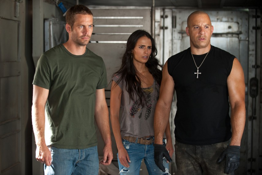 /db_data/movies/fastfurious05/scen/l/Paul Walker Jordana Brewster Vin Diesel_3MB.jpg