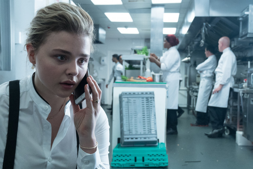 /db_data/movies/greta/scen/l/410_06_-_Frances_Chlo_Grace_Moretz_ov_org.jpg