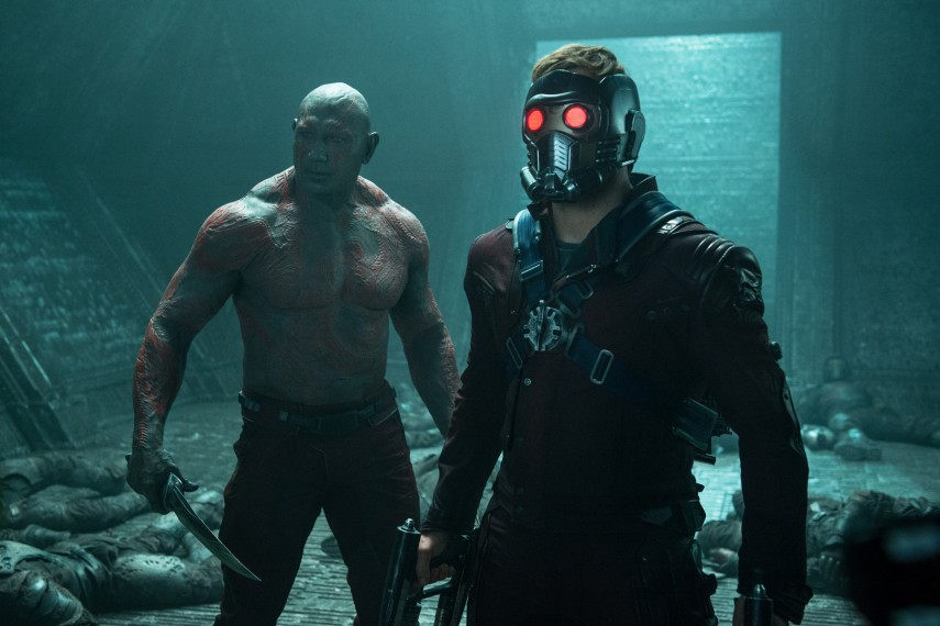 /db_data/movies/guardiansofthegalaxy/scen/l/410_12__Drax_Bautista_StarLord_Pratt.jpg