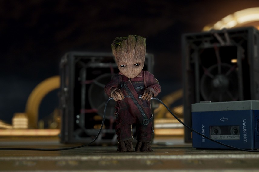 /db_data/movies/guardiansofthegalaxy2/scen/l/410_05_-_Baby_Groot_Vin_Diesel.jpg