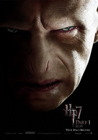 /db_data/movies/harrypotter7_1/artwrk/l/12-PortraitBannerVoldemort-0ec.jpg