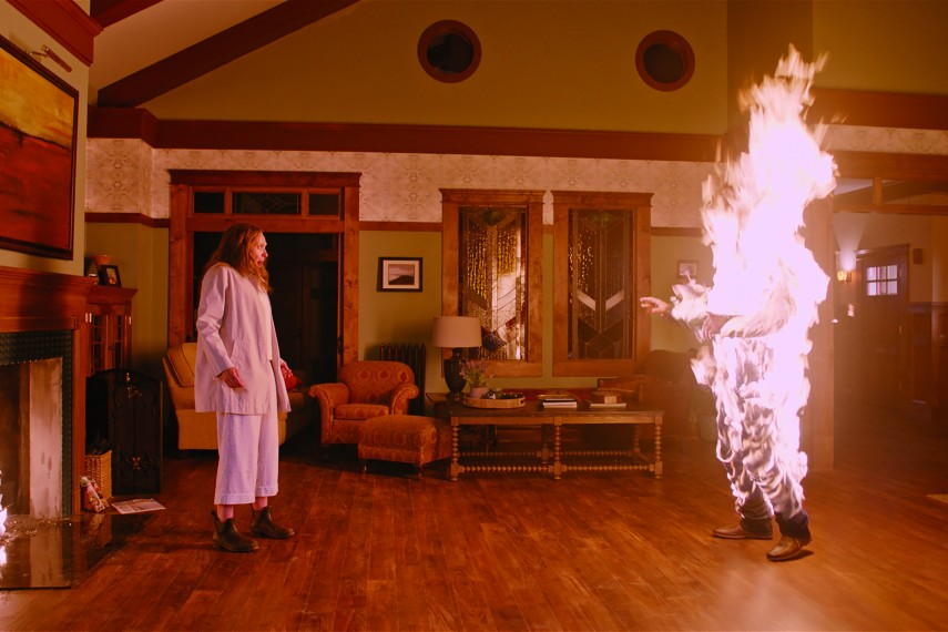 /db_data/movies/hereditary/scen/l/410_09_-_Scene_Picture.jpg
