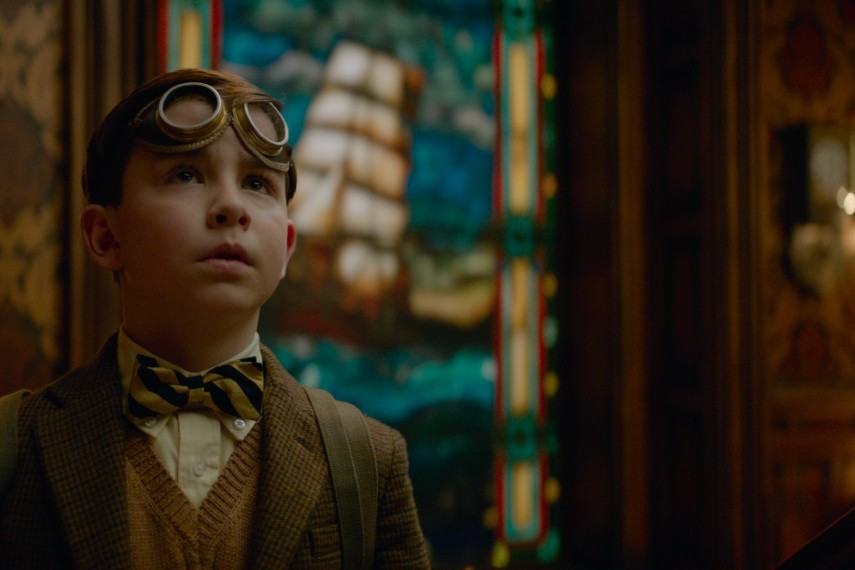 /db_data/movies/housewithaclockinitswalls/scen/l/410_03_-_Lewis_Owen_Vaccaro.jpg