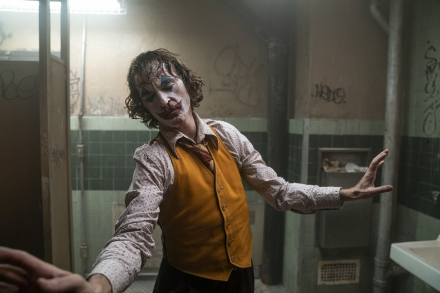 /db_data/movies/joker/scen/l/410_rev-1-JOK-04413_High_Res_JPEG_ov_org.jpg