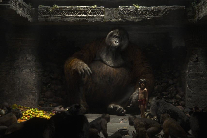 /db_data/movies/junglebook2015/scen/l/410_12_-_Mowgli_Neel_Sethi_King_Louie.jpg