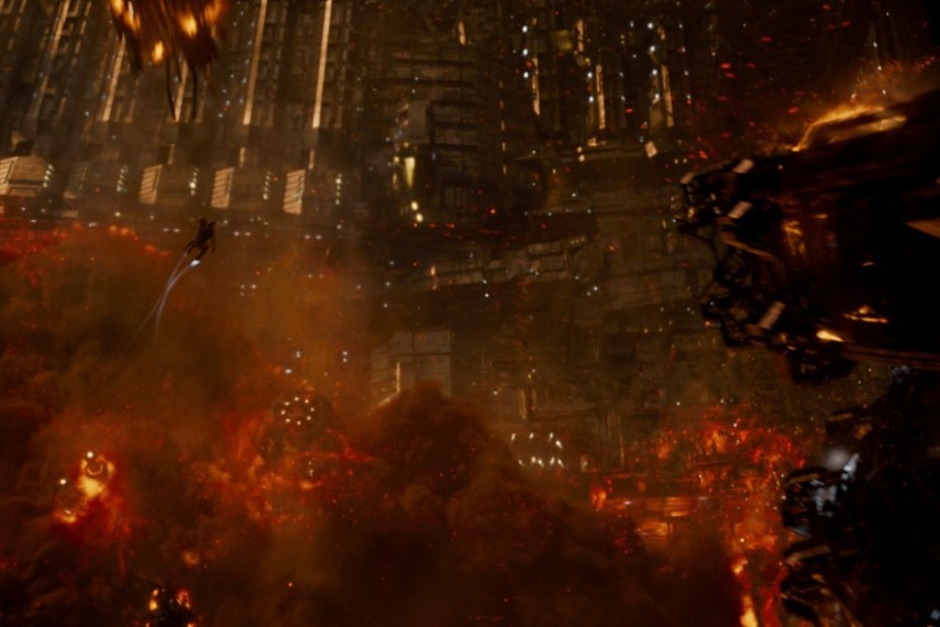 /db_data/movies/jupiterascending/scen/l/1-Picture24-ce6.jpg
