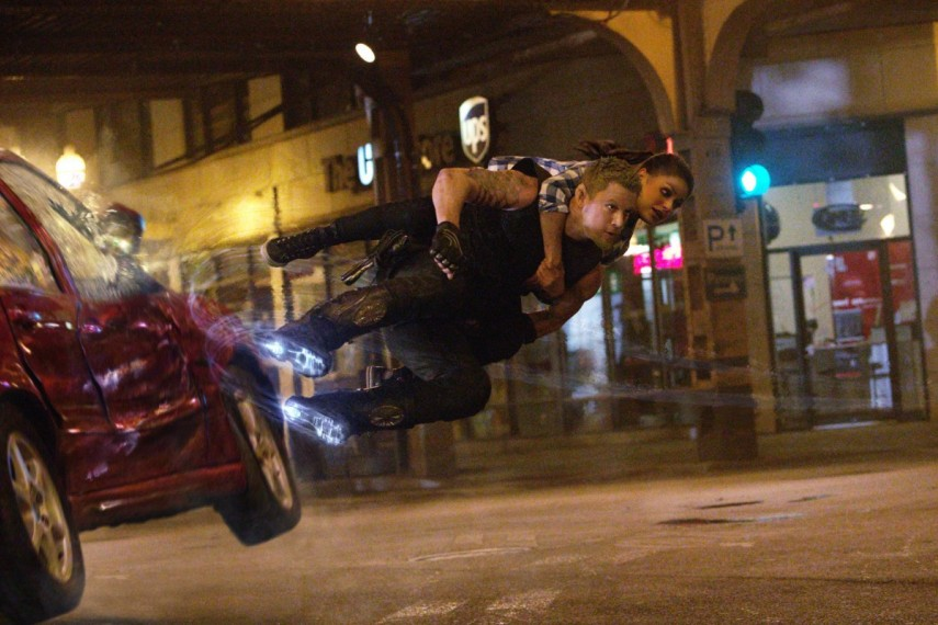 /db_data/movies/jupiterascending/scen/l/1-Picture25-f79.jpg