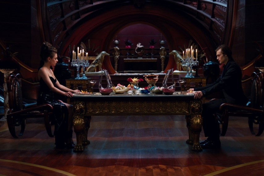 /db_data/movies/jupiterascending/scen/l/1-Picture3-dad.jpg