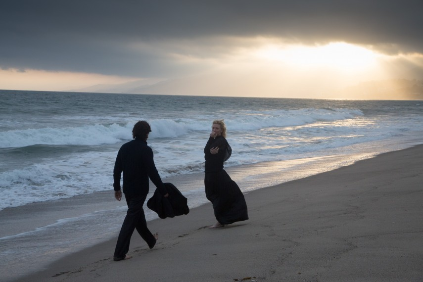 /db_data/movies/knightofcups/scen/l/410_14__Rick_Christian_Bale_Na.jpg
