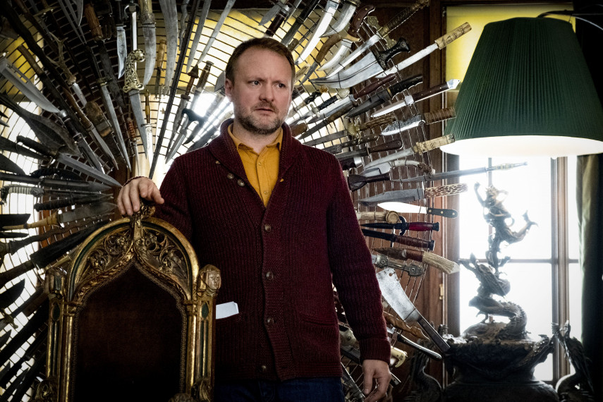 /db_data/movies/knivesout/scen/l/420_03_-_Director_Rian_Johnson.jpg