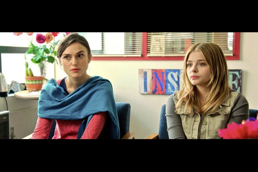 /db_data/movies/laggies/scen/l/LAGGIES.jpg
