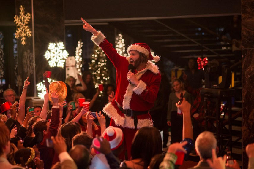 /db_data/movies/officechristmasparty/scen/l/410_08_-_Clay_T.J._Miller.jpg