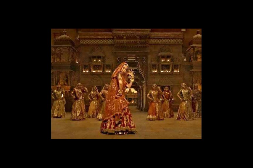 /db_data/movies/padmavati/scen/l/22780687_2143841925641541_9010_1.jpg