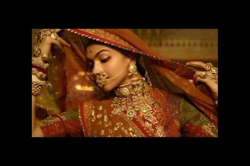 /db_data/movies/padmavati/scen/l/22788659_2143841838974883_1439.jpg