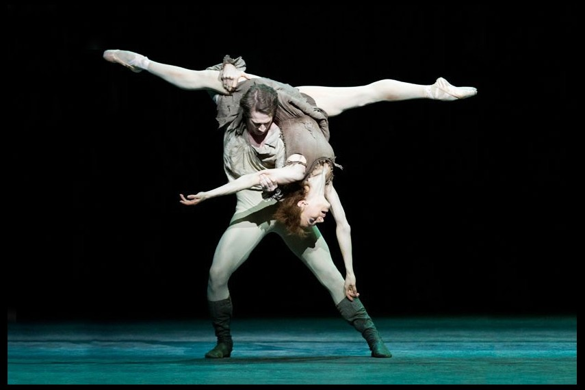 /db_data/movies/royaloperahousemanon/scen/l/oversize.jpg