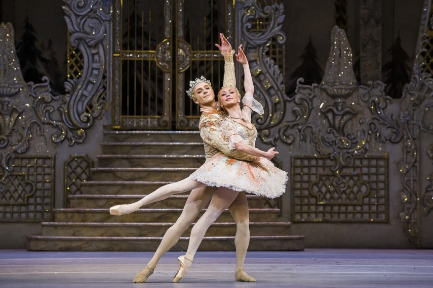 /db_data/movies/royaloperahousethenutcracker/scen/l/23602280866_31701f4877_b.jpg