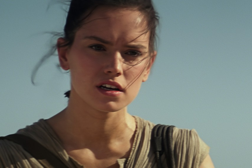 /db_data/movies/starwarsepisode7/scen/l/410_06__Rey_Daisy_Ridley.jpg