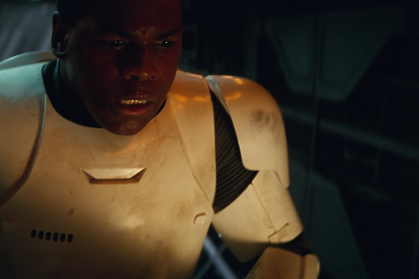 /db_data/movies/starwarsepisode7/scen/l/410_14__Finn_John_Boyega.jpg
