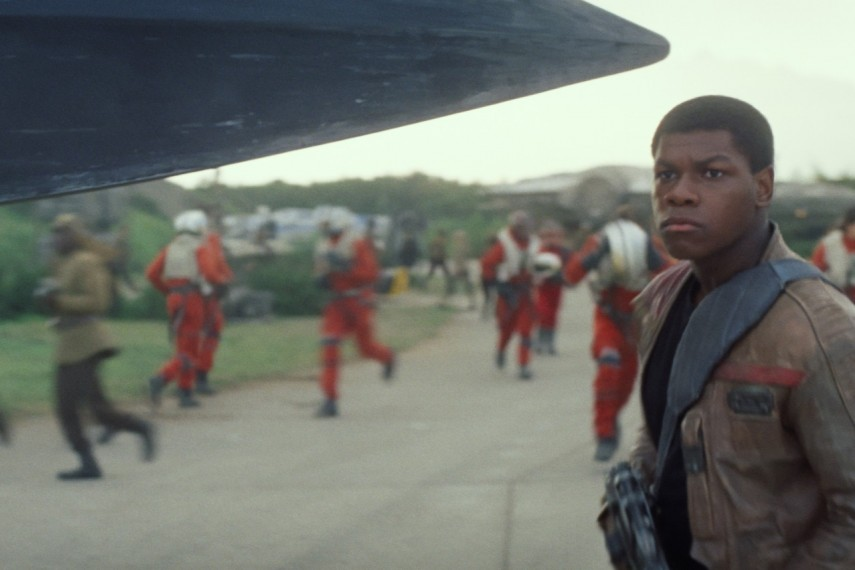 /db_data/movies/starwarsepisode7/scen/l/410_23__Finn_John_Boyega.jpg