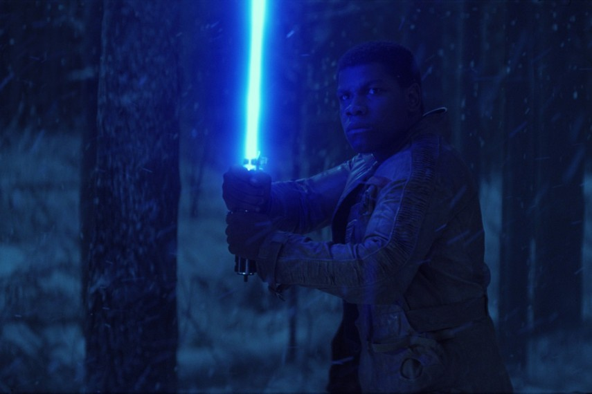 /db_data/movies/starwarsepisode7/scen/l/410_24__Finn_John_Boyega.jpg
