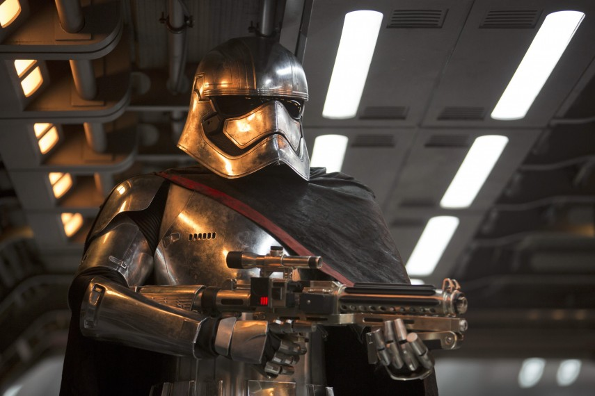 /db_data/movies/starwarsepisode7/scen/l/410_31__Captain_Phasma_Gwendol.jpg