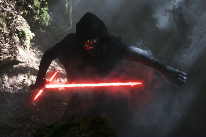 /db_data/movies/starwarsepisode7/scen/l/410_32__Kylo_Ren_Adam_Driver.jpg