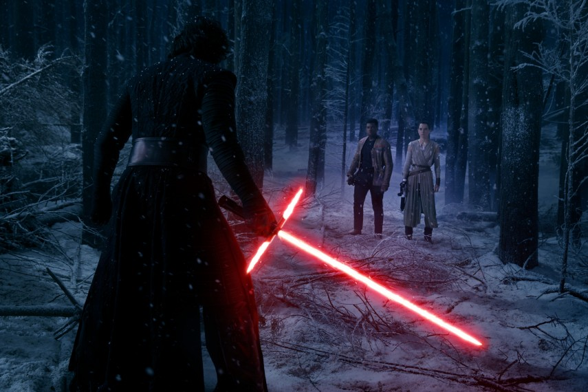 /db_data/movies/starwarsepisode7/scen/l/410_56__Kylo_Ren_Adam_Driver_F.jpg