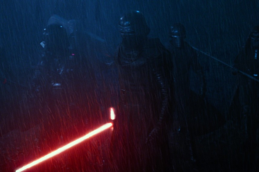 /db_data/movies/starwarsepisode7/scen/l/410_65__Kylo_Ren_Adam_Driver.jpg