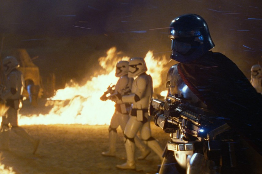 /db_data/movies/starwarsepisode7/scen/l/410_67__Captain_Phasma_Gwendoline_Christie.jpg