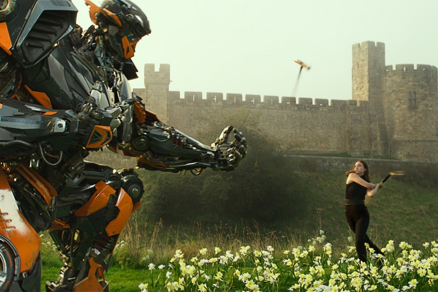 /db_data/movies/transformers5/scen/l/410_06_-_Bumblebee.jpg