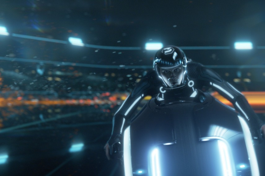 /db_data/movies/tron2010/scen/l/user2_still_45r.jpg